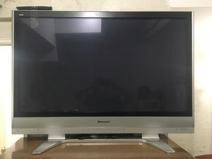 A old flat tv for Sale in Queens, NY