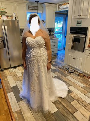 Pearl & Sequin Wedding Dress for Sale in Glen Burnie, MD