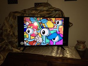 """32""""in Color TV With Remote Like New for Sale in Independence, MO"""