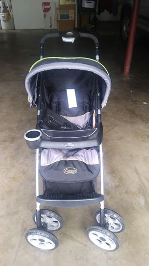 Cosco stroller-in storage over a year for Sale in Swansea, IL