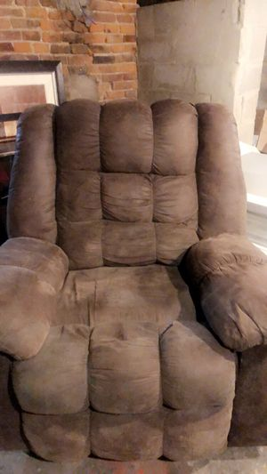Recliner for Sale in Fairfield, IA