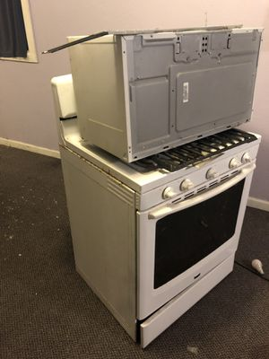 Gas Stove & microwave for Sale in Houston, TX