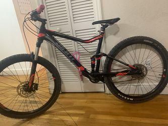 Giant Stance 2 Mountain Bike for Sale in North Miami Beach, FL