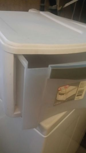 Plastic container (one drawer) for Sale in Rialto, CA