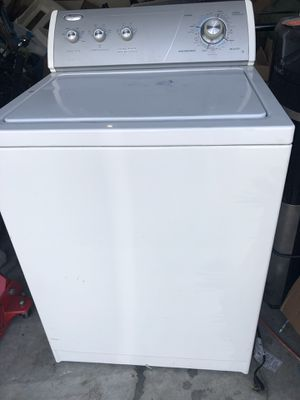 Whirlpool washer and dryer electric for Sale in Winter Haven, FL