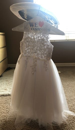 Girls flower girl dress size 5 for Sale in Vancouver, WA