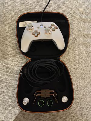 Pro Xbox one controller wired for Sale in Fresno, CA