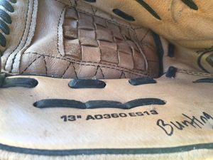Baseball glove for Sale in Round Rock, TX