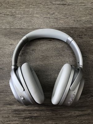 Bluetooth active noise cancelling headphones for Sale in Tampa, FL