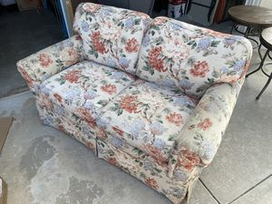 Couch for Sale in Rancho Cucamonga, CA