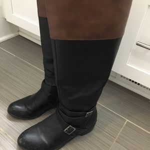 Brown and black tall zip up boots for Sale in Nashville, TN