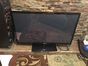 40 inch tv for Sale in Riverside, CA