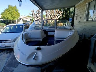 Wow ! 1994 Bayliner 4.3 L MerCruiser Alpha One Outdrive Thunderbolt Ignition New Parts And Upholstery Including New Registration And Mussel St for Sale in San Diego,  CA