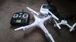 2 Drones a sums x5c & a DCM dro 005 both have camara for Sale in Emeryville, CA