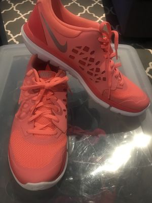 Nike tennis shoes for Sale in Victorville, CA