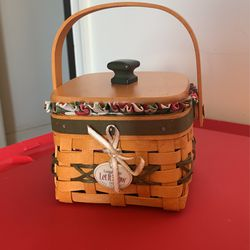 2000 Let It Snow Tree Trimming Longaberger Basket With Liners And Cover for Sale in Martinsburg,  WV