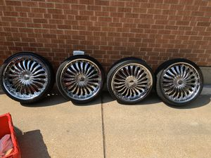 22 inch elure rims for Sale in Bellwood, IL