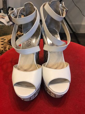 Michael Kors leather wedge size 6 for Sale in Dallas, TX