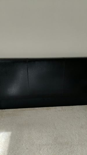 Zinus Faux Leather Bed Frame for Sale in Arlington, VA