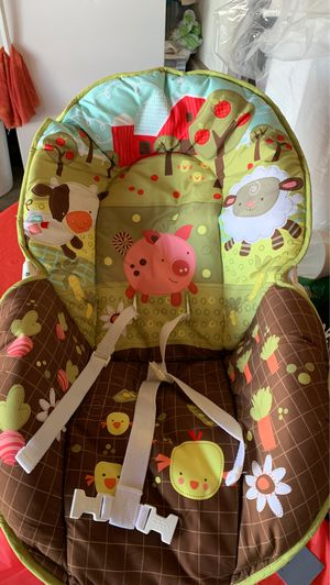 Baby swing hardly used it just for a month my baby is a big boy for Sale in Victorville, CA