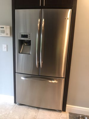 GE Profile French door 28.5 cubic ft fridge for Sale in Cooper City, FL