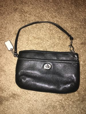 Coach wristlet for Sale in Cleveland, OH