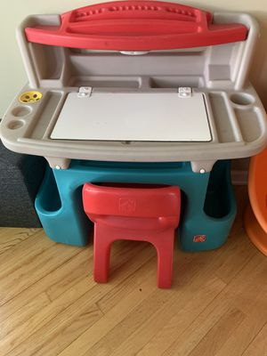 Step2 Kid's Art Desk & Chair for Sale in Wheaton, IL