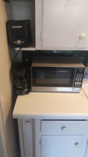 Microwave, coffe pot, and toaster. for Sale in Fort Lauderdale, FL