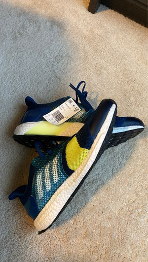 Adidas ultraboost special pack sz 12 NEW DS OG with tags no box!!! THROW ME AN OFFER!! for Sale in Huntersville, NC