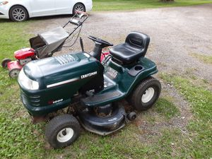 Craftsman riding lawn mower for Sale in North Ridgeville, OH