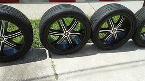 22 inch AVE rims. Black/aluminum accents for Sale in TEMPLE TERR, FL
