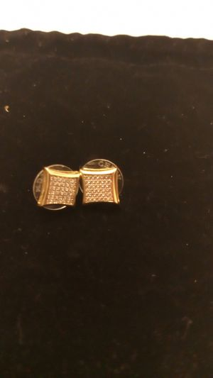 14k unisex diamond earrings for Sale in Manor, TX