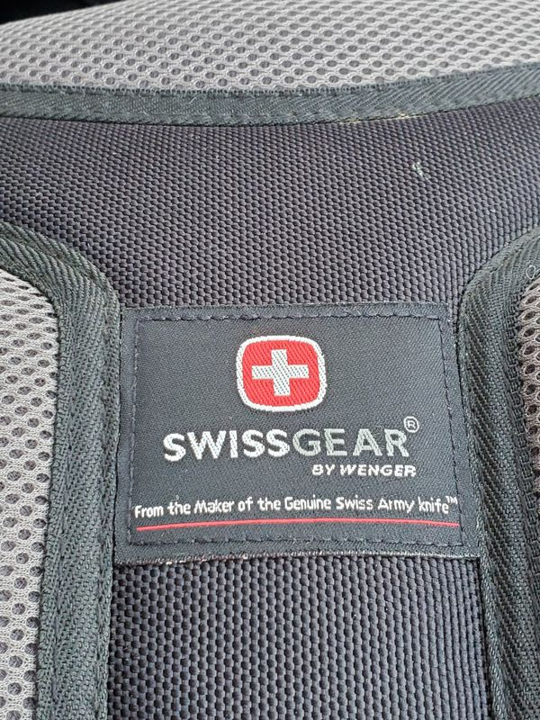 """SWISSGEAR Wenger Synergy Backpack for 16"""" Laptops Notebooks Ultrabook"""