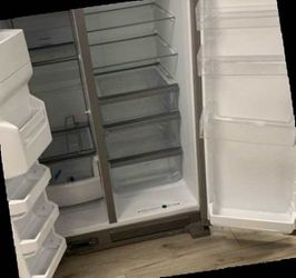 WHIRLPOOL WRS325SDHZ REFRIGERATOR NXDZH for Sale in China Spring,  TX