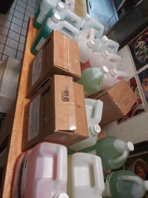 Jabon cloro y desinfectante concentrado for Sale in Tempe, AZ