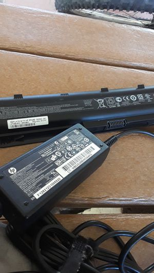 Hp charger n battery for Sale in Hacienda Heights, CA