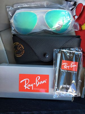 Ray ban sunglasses for Sale in Rembert, SC
