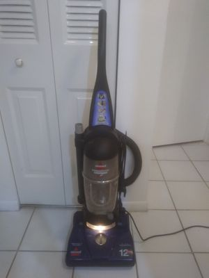 Bissell Powerforce 12amp Bagless Vacuum for Sale in Tamarac, FL