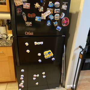 Whirlpool Refrigerator for Sale in Virginia Beach, VA