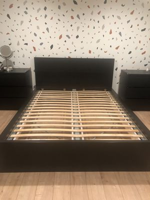 Queen bed frame ON Hold for Sale in Federal Way, WA
