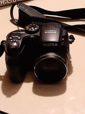 FUJIFILM Finepix S1000 10.0 Mega Pixels Digital Camera & Video Recorder for Sale in Eagle Lake, FL