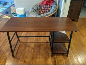 DESK 55 INCH for Sale in Sunnyvale, CA