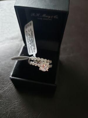 Size 7 Swarovski wedding set for Sale in Saginaw, MI