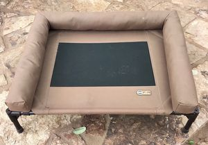 "K&H Medium (25"" x 32"" x 7"") Raised Pet Bed for Sale in Austin, TX"