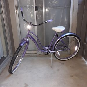 "24"" Schwinn Women's Legacy Cruiser Bike for Sale in Arlington, TX"