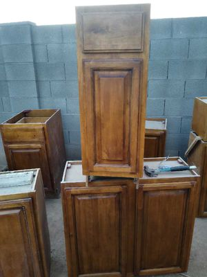 Kitchen Cabinets with marble Cabinetes con marble for Sale in Phoenix, AZ