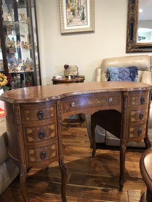 Antique office desk. for Sale in San Diego, CA