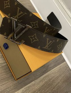 Louis Vuitton Reversible Belt size 36 for Sale in Arlington,  VA