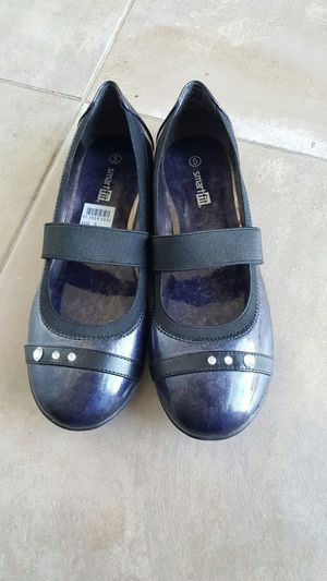 Beautiful shoe size 5 it's brand new no used for Sale in Union City, CA