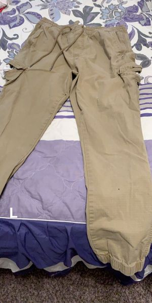 men's and women's clothes closet clean out for Sale in Fort Worth, TX